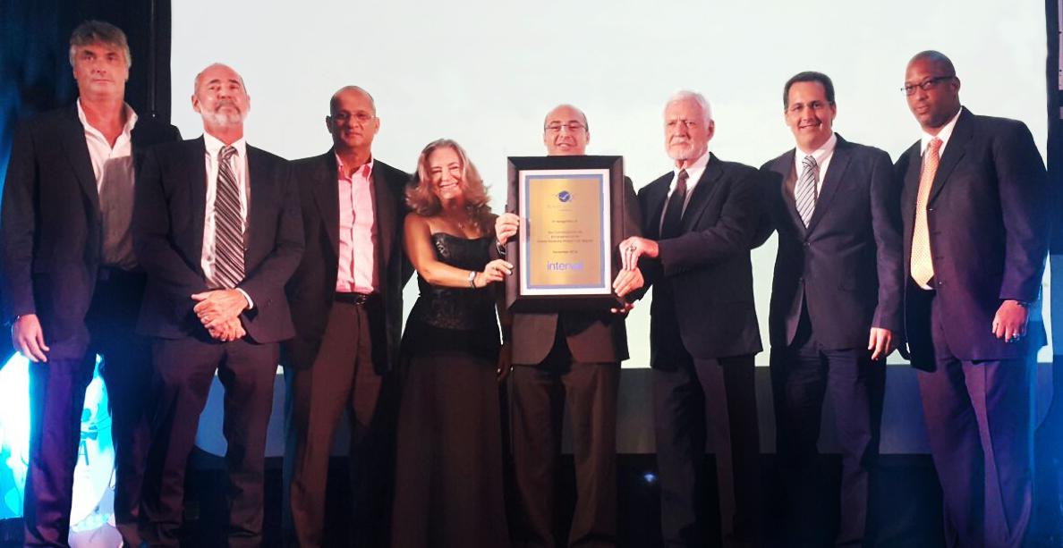 Interval International presents award to Royal Resorts Caribbean